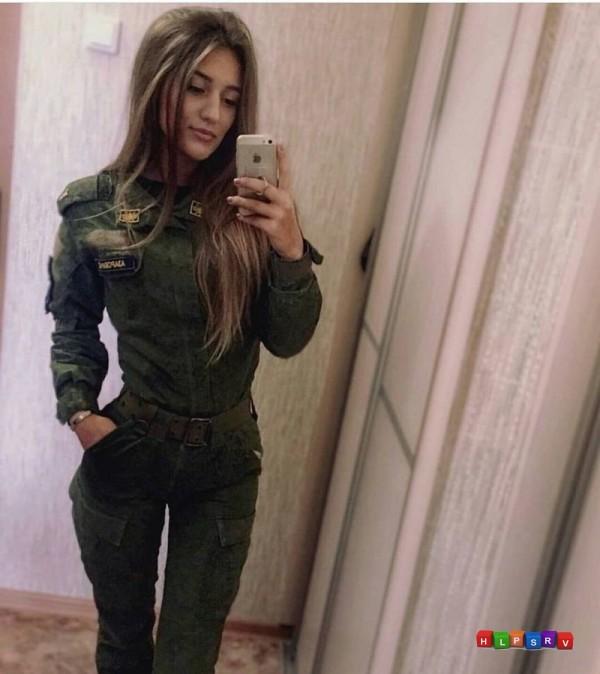 Подборка красивых девушек в форме РФ