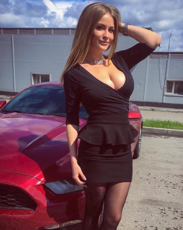 Подборка к лету красивых девушек в платьях