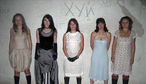 20 фото женских бесстыдств и местами жести из соцсетей