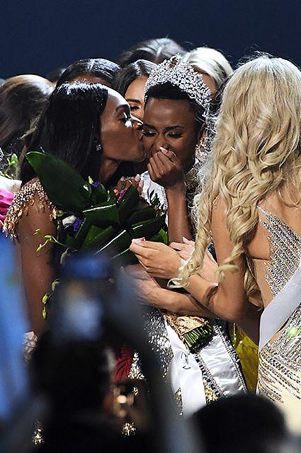 """Победительницей конкурса""""Мисс Вселенная — 2019"""" стала представительница ЮАР Зозибини Тунци"""