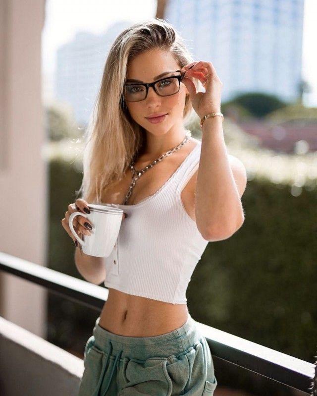 75 фото симпатичных девушек в очках